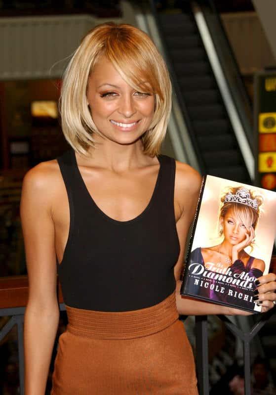 Journée internationale du livre : les célébrités qui ont réussi en tant qu'écrivains.