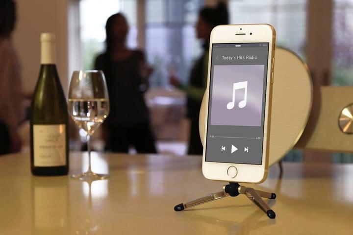Le trépied Kenu Stance, l'une des meilleures stations d'accueil pour l'iPhone