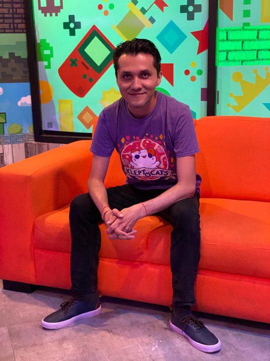 "Juan Garcia ""Maître""Responsable des médias sociaux chez Hyperbeard Games"