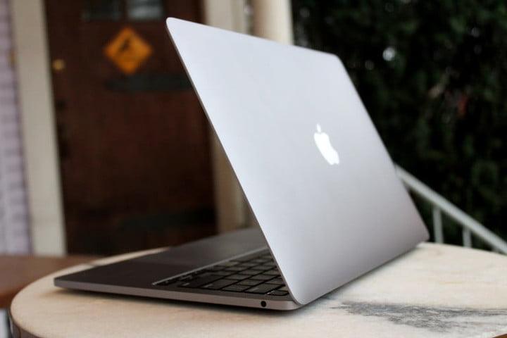MacBook Pro vu de l'arrière
